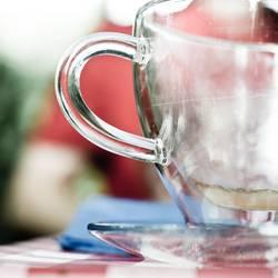 doppelwandig bleibt der Kaffee länger warm