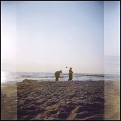 hOlGa | to cut a hole in the sand