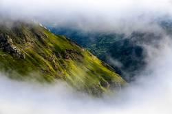 Berg mit natürlichem Passepartout