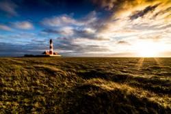 Himmelsteilung mit Leuchtturm