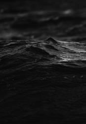 Dunkles Gewässer