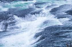 Fallende Wasser
