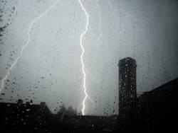 Ungewitter mit Blitzen