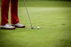 Golfer beim spielen