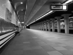 Metrostation silence
