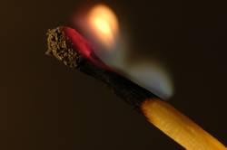 - es brennt noch -