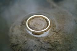 Ring im Wasser