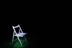 Zum Verstehen eines Bildes gehöre ein Stuhl.