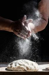 Spritzendes Mehl