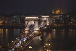 St. Stephen's Cathedral and Chain Bridge at night