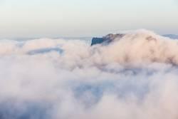 Lilienstein im Nebelmeer bei Sonnenaufgang