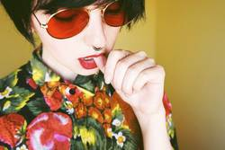 Androgynous female model with retro style
