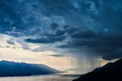 partiell regnerisch