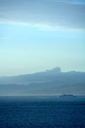 Passagierschiff im Morgenlicht