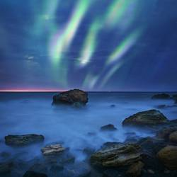 Aurora Borealis über dem Meer