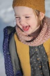 Mädchen lachen Winter Sonne