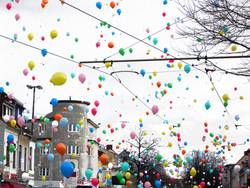 balloons (fliegend, nach oben, hui)