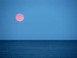 Mondaufgang am Meer