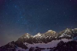 Dachstein und Milchstraße