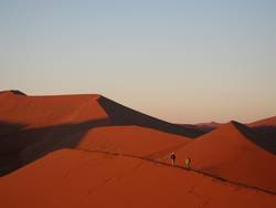Morgendämmerung über der Namib