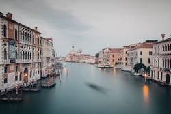 Venedig Canal Grande in der Dämmerung