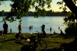 Sommerabend am Fluss
