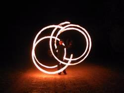 Im Kreis des Feuers