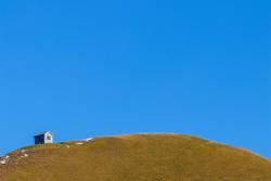 Hütte auf dem Hügel