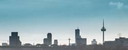 FLAUSCHIG|es Wölkchen am Kölner Himmel