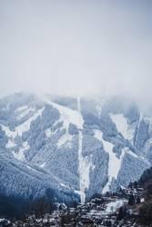 Wolkenversunkener Gipfel