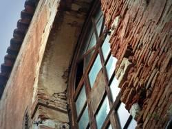 altes Fabrikfenster