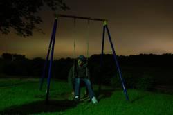 Nachts sind alles Schaukeln grau