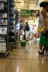Supermarket Besucherin
