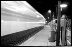 Zug Bahnsteig