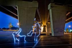 under the bridge Light Fight (Licht Kampf)