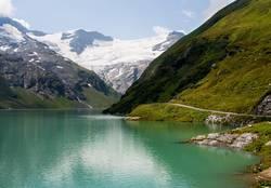 green big mountain lake