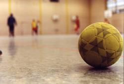 Hallenball
