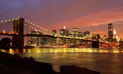 New York Brooklyn Bridge am Abend