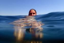 Frau im Meer