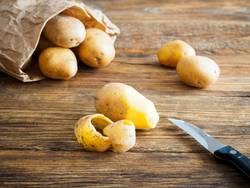 Kartoffeln in einer Papiertüte