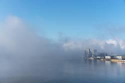 Der Hafen von Trois-Rivières im morgendlichen Nebel