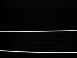 Volleyballnetz bei Nacht