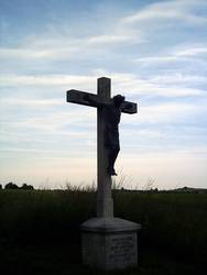 Kreuz in der Dämmerung