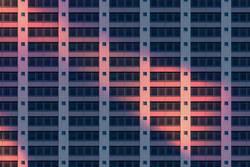 Fassadenmuster bei Nacht