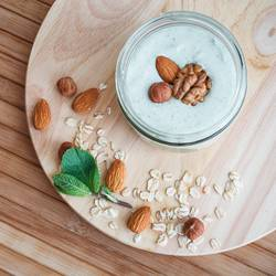 mint curd smoothie with granola