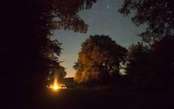 Lagerfeuer unter den Sternen