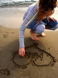 ich schreib deinen namen in den sand.