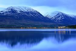 Blaue Nacht in Akureyri