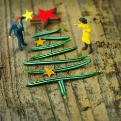Miniwelten - Weihnachtsbaum schmücken