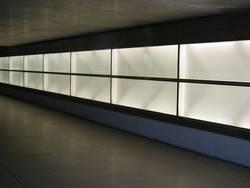 beleuchtete Wand